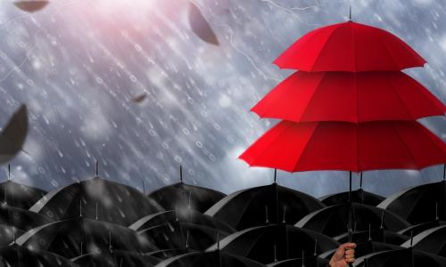red-umbrellas-black-unbrellas-storm